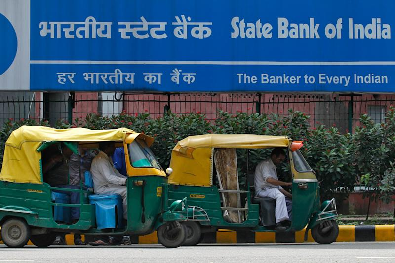 SBI Cuts Savings Rate to 3.25%; Is It Time to Move Your Money to Another Bank?