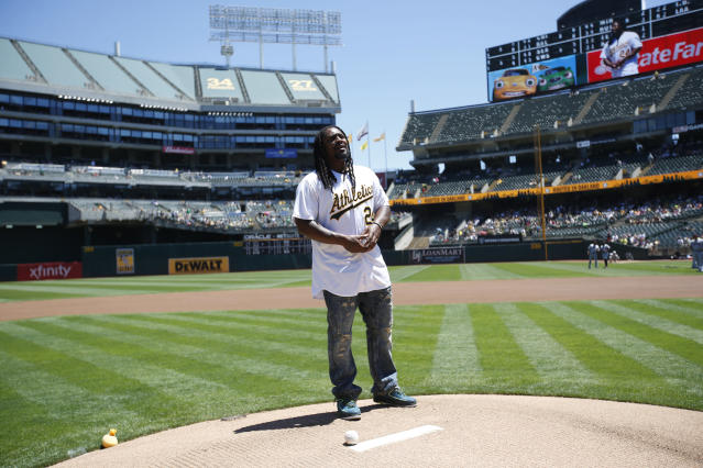 """<a class=""""link rapid-noclick-resp"""" href=""""/nfl/players/8266/"""" data-ylk=""""slk:Marshawn Lynch"""">Marshawn Lynch</a> has never been shy about his love for Oakland. (Getty Images)"""