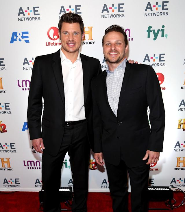 Nick Lachey, left, and his brother Drew. (Photo: Getty Images)