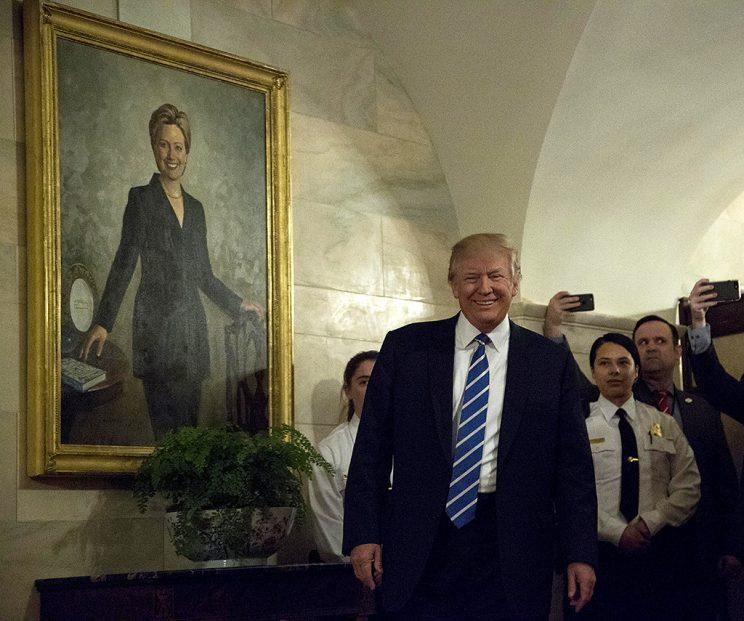 President Donald Trump surprised people touring the White House. (Photo: Aude Guerrucci-Pool/Getty Images)
