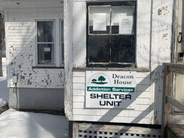 Liberal MLA Gordon McNeilly says Deacon House has been neglected. (Gordon McNeilly - image credit)