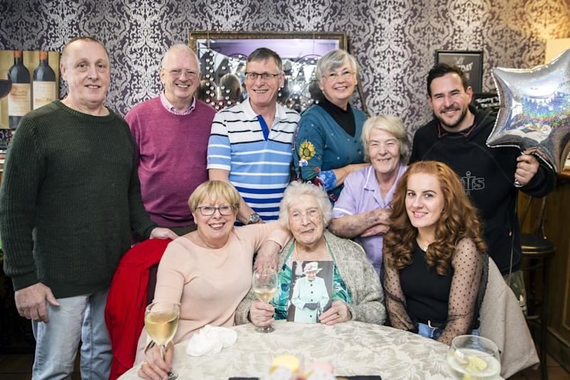 Ellen Matthews celebrated with her€™ nieces, nephews and friends (Picture: SWNS)