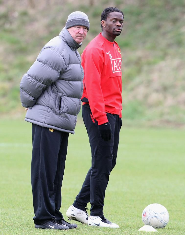 MANCHESTER, ENGLAND - MARCH 7: Manager Sir Alex Ferguson and Louis Saha of Manchester United in action during a First Team training session at Carrington Training Ground on March 7 2008, in Manchester, England. (Photo by Matthew Peters/Manchester United via Getty Images)