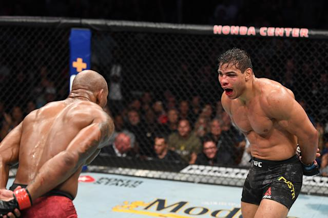 (R-L) Paulo Costa and Yoel Romero taunt each other in their middleweight bout during the UFC 241 event at the Honda Center on Aug. 17, 2019 in Anaheim, California. (Getty Images)