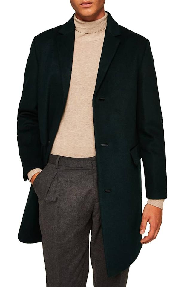 """<p>Any stylish guy could use this sleek <a rel=""""nofollow"""" href=""""https://www.popsugar.com/buy/Topman%20Wool%20Blend%20Overcoat-392391?p_name=Topman%20Wool%20Blend%20Overcoat&retailer=shop.nordstrom.com&price=180&evar1=fab%3Aus&evar9=44242989&evar98=https%3A%2F%2Fwww.popsugar.com%2Ffashion%2Fphoto-gallery%2F44242989%2Fimage%2F45532441%2FTopman-Wool-Blend-Overcoat&list1=gifts%2Choliday%2Cgift%20guide%2Cluxury%20gifts%2Cfashion%20gifts%2Cgifts%20for%20men&prop13=mobile&pdata=1"""" rel=""""nofollow"""">Topman Wool Blend Overcoat</a> ($180).</p>"""