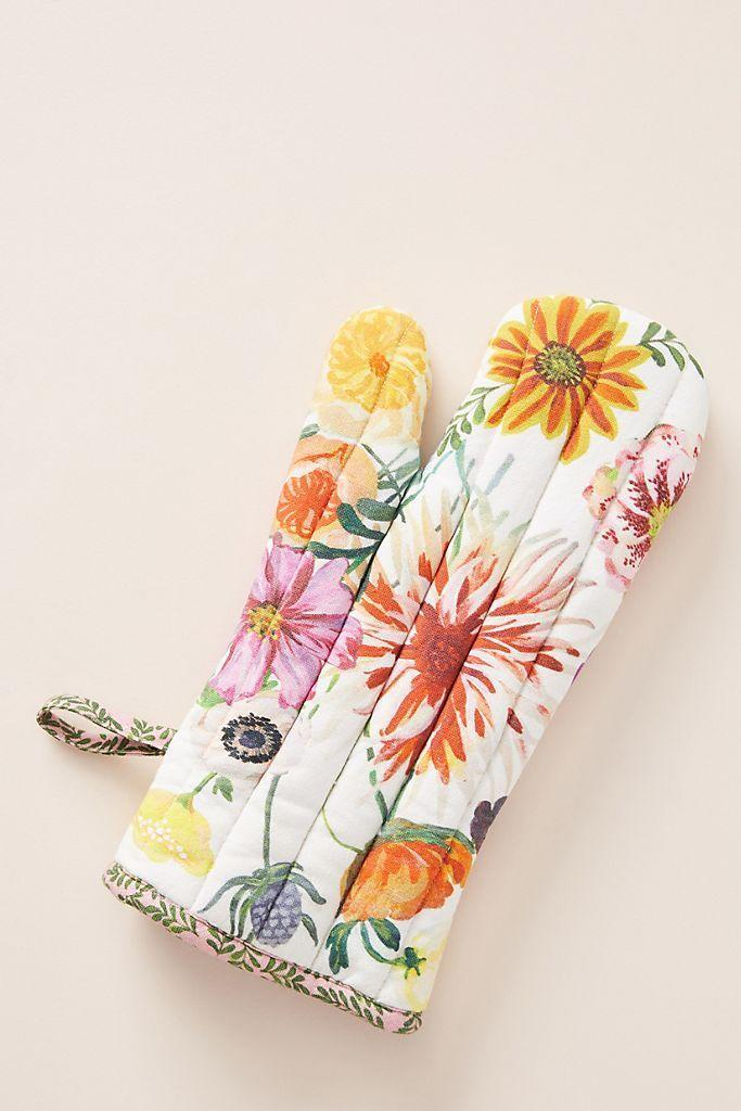 """<p><strong>Nathalie Lete Anthropologie</strong></p><p><a href=""""https://go.redirectingat.com?id=74968X1596630&url=https%3A%2F%2Fwww.anthropologie.com%2Fshop%2Fgeorge-viv-kris-kringle-oven-mitt%3Fcategory%3DSEARCHRESULTS%26color%3D045%26searchparams%3Dq%253Doven%252520mitt%26type%3DSTANDARD%26size%3DOven%2BMitt%26quantity%3D1&sref=https%3A%2F%2Fwww.thepioneerwoman.com%2Fholidays-celebrations%2Fgifts%2Fg32161232%2Fbest-friend-gifts%2F"""" rel=""""nofollow noopener"""" target=""""_blank"""" data-ylk=""""slk:Shop Now"""" class=""""link rapid-noclick-resp"""">Shop Now</a></p><p>Liven up their kitchen while keeping their hands safe with this fun oven mitt. Just try not to go overboard and buy one for every single friend—they're <em>that</em> cute.</p>"""