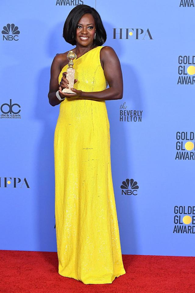 """<p>Not only does Viola Davis have an enviable career, she also has an award-worthy bod. (Those arms!) In an interview with <a rel=""""nofollow"""" href=""""http://www.self.com/story/viola-davis-vaseline-healing-project-interview"""">SELF</a>, the 'Fences' Oscar-nominee revealed how she stays in shape: """"You know they say 80 percent of <a rel=""""nofollow"""" href=""""http://www.drozthegoodlife.com/healthy-lifestyle/body/g645/best-weight-loss-stories/"""">losing weight</a> is what you eat, and 20 percent is exercise? I got the 20 percent covered,"""" Davis said. """"If I have to be at work at 5 a.m, I will get up at 3 and work out. I run, <a rel=""""nofollow"""" href=""""http://www.drozthegoodlife.com/fitness/strength-cardio-exercise/tips/a1392/household-items-weight-lifting/"""">I do weights</a>. I'm like every other woman; I'd love to be 10 pounds or 20 pounds lighter. I'm good as long as I'm healthy.""""</p><p><span></span></p>"""