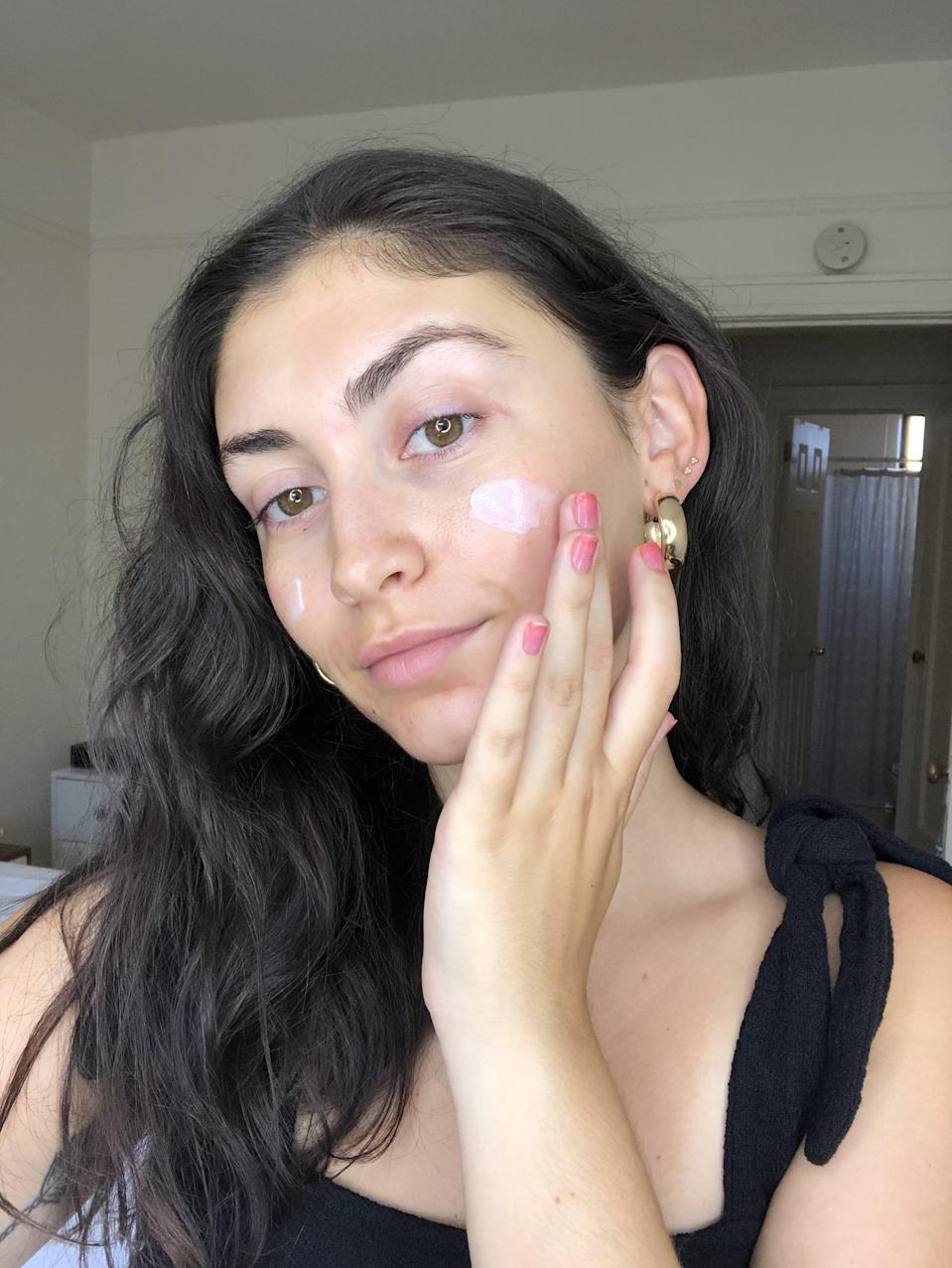 <p>When rubbed in it feels deeply hydrating but isn't heavy and when left to absorb for a minute or two, it disappears. The texture also helps blur the appearance of your pores. It's formulated with honey for moisture, turmeric to soothe, and niacinamide to even skin tone. And that's all without makeup. Because Huda Kattan knows the struggles of having acne, it's also safe for sensitive skin, non-comedogenic, and non-acnegenic.</p>