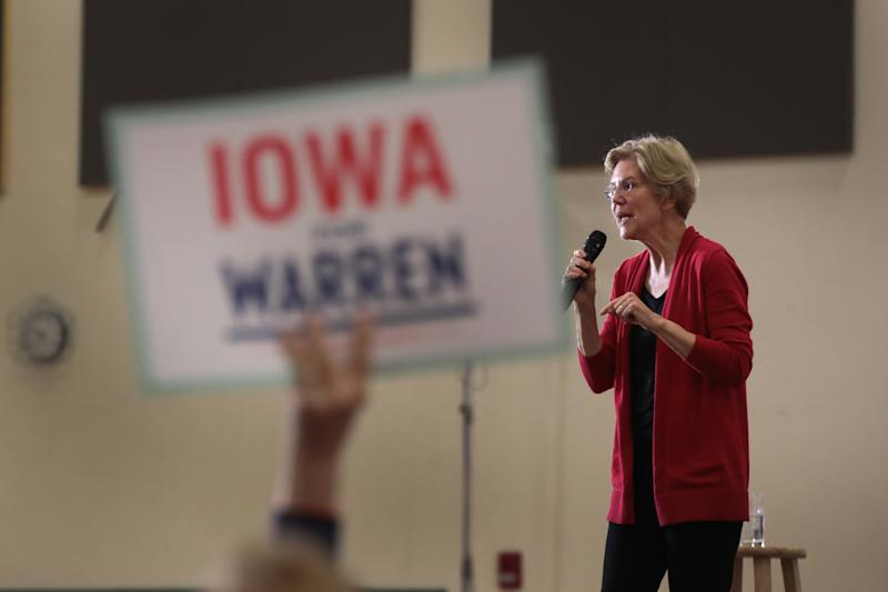 Democratic presidential candidate Sen. Elizabeth Warren (D-MA) speaks to guests during a campaign stop at Hempstead High School on Nov. 2, 2019 in Dubuque, Iowa. (Photo: Scott Olson/Getty Images)