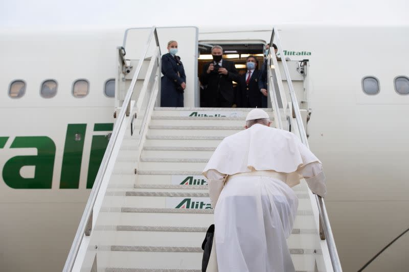 Pope Francis travels to Iraq