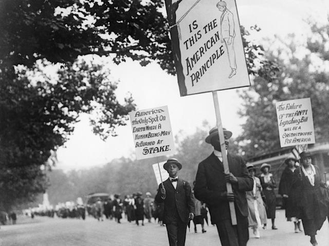 More than 3,000 protesters march in Washington, D.C., calling for an end to lynching, on June 24, 1922. (Getty Images)