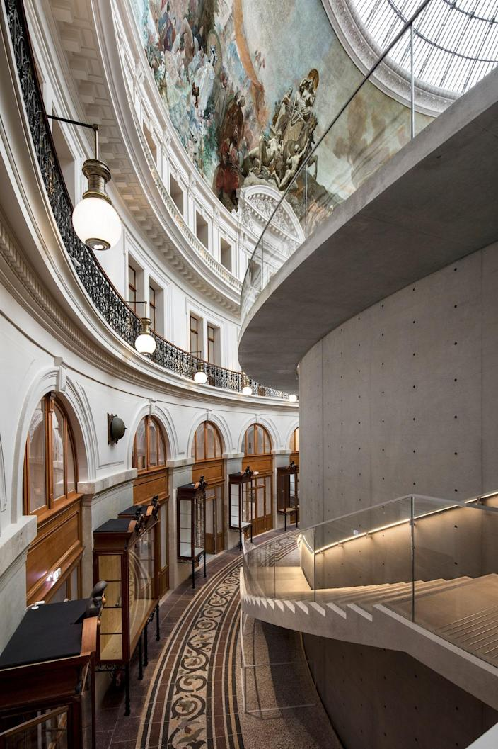 The museum was once the location of Paris's former stock exchange building.