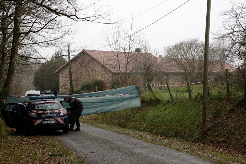 Une voiture de la gendarmerie à la campagne (Photo d'illustration)
