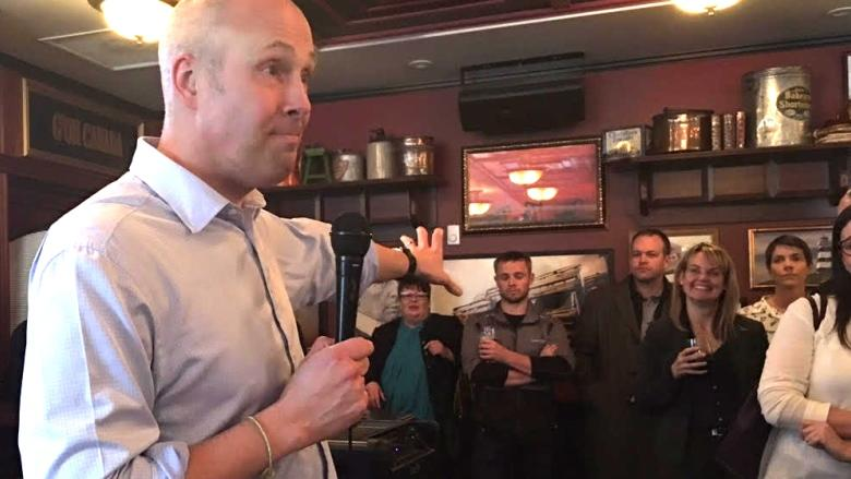 Greg Clark pushes Alberta Party message over beers at pub night