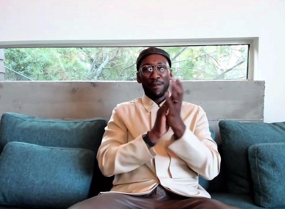 <p>The natural light in Mahershala Ali's home is a thing of envy. </p>
