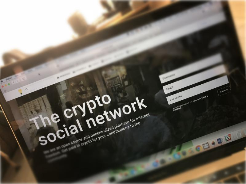 Minds aims to decentralize the social network