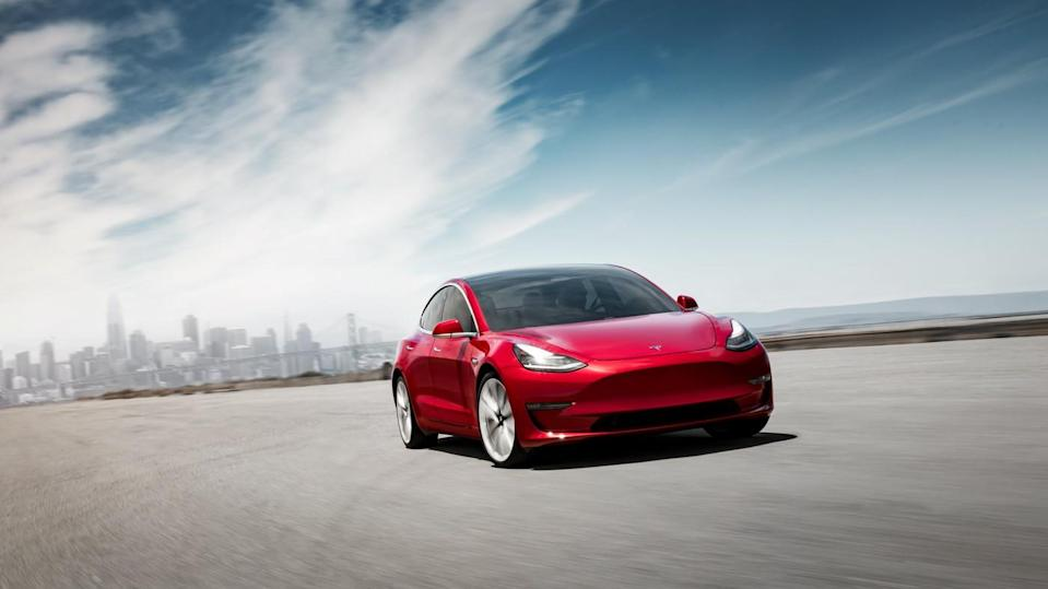 Ahead of Q3 Earnings, Tesla Sees Mixed Picture in California