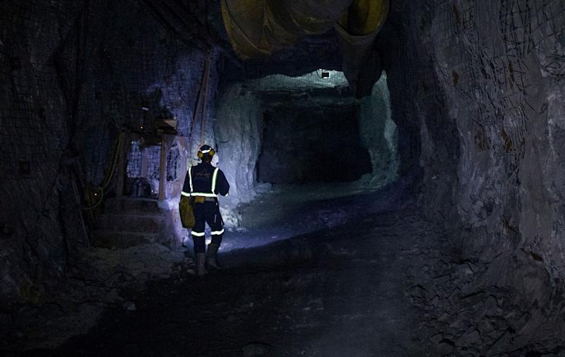Glencore Plans to Shut Giant Cobalt and Copper Mine in Congo