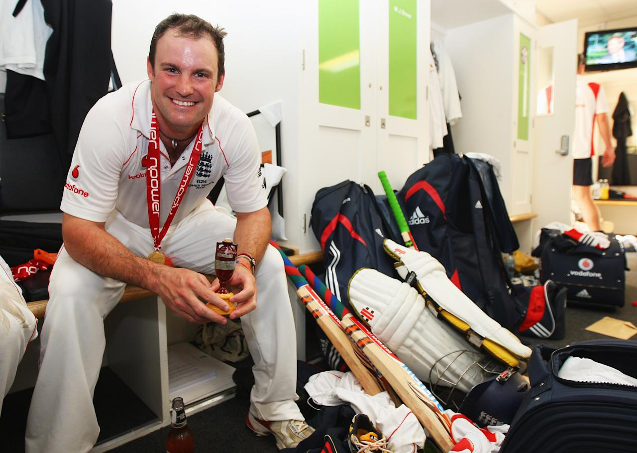 LONDON - AUGUST 23:  Andrew Strauss of England poses with the Ashes urn in the dressing room after day four of the npower 5th Ashes Test Match between England and Australia at The Brit Oval on August 23, 2009 in London, England.  (Photo by Tom Shaw/Getty Images)