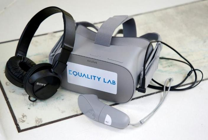 A team from the University of California, Los Angeles, studies the use of virtual reality to treat anhedonia, a symptom of depression that creates an inability to experience pleasure or interest in a range of activities (AFP Photo/RHONA WISE)