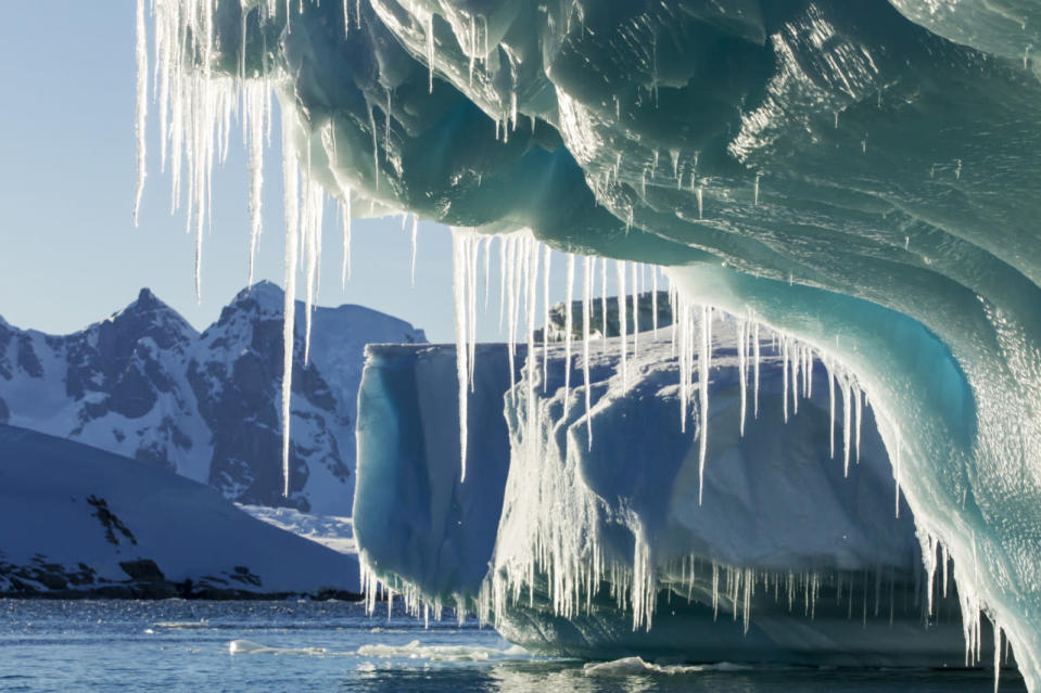 """""""Hair-raising"""" study finds glaciers are melting at an accelerating rate"""