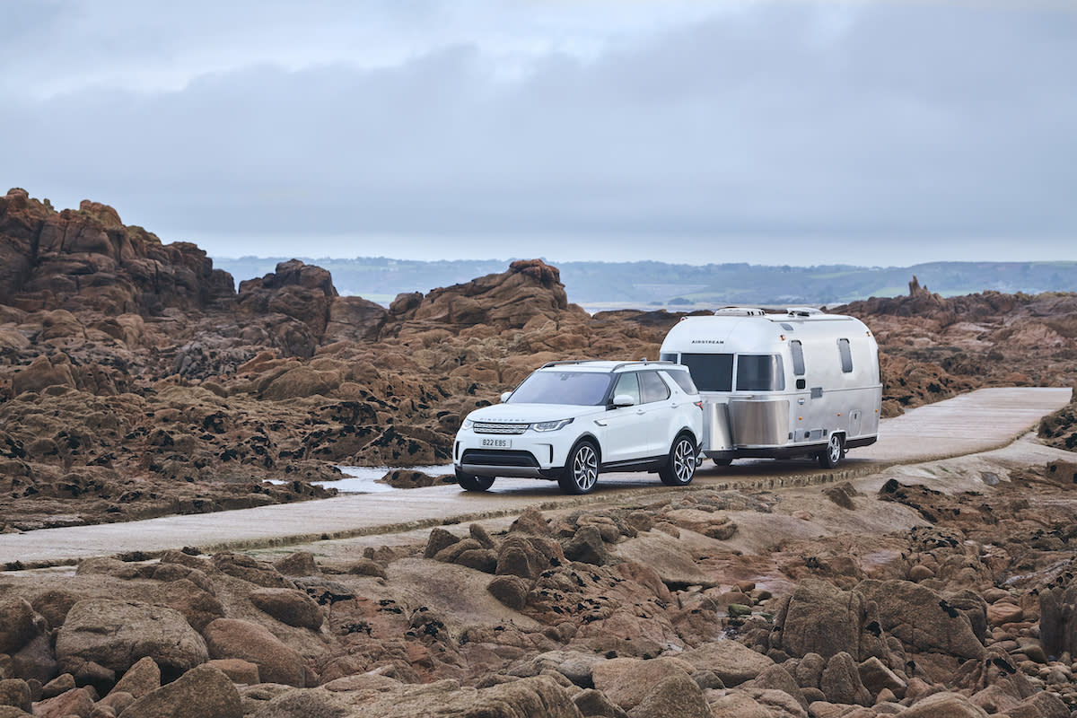 Discovery towing