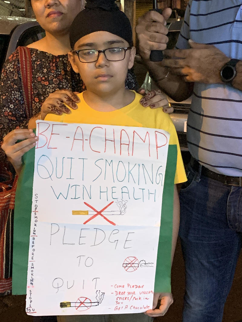 Kharghar family fight against public smoking