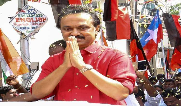 DMK moves EC against AIADMK on cash distribution