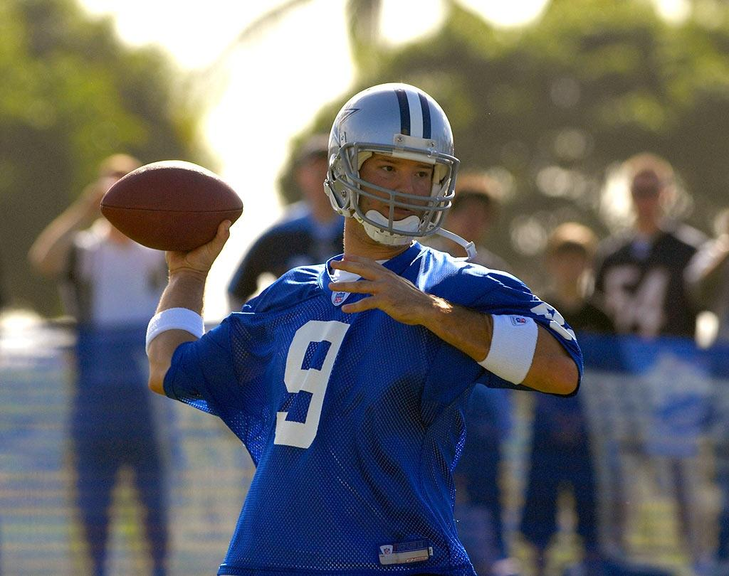 """Tony Romo didn't necessarily make our list thanks to his $67.5 million contract extension with the playoff-bound Dallas Cowboys. It certainly helps, but the 27-year-old quarterback is better known in our circle for his off-the-field action, which includes brief romances with Carrie Underwood, Sophia Bush, and current distraction, Jessica Simpson. Al Messerschmidt/<a href=""""http://www.wireimage.com"""" target=""""new"""">WireImage.com</a> - February 8, 2007"""