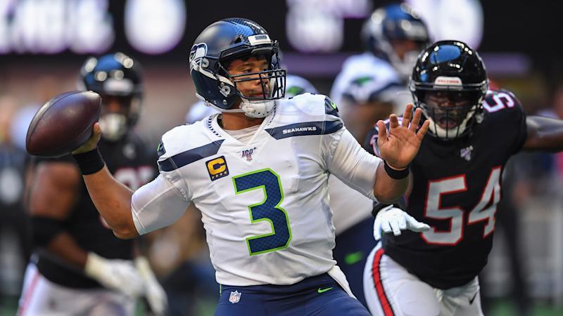 Globetrotters Teach Russell Wilson New Dance Before 49ers