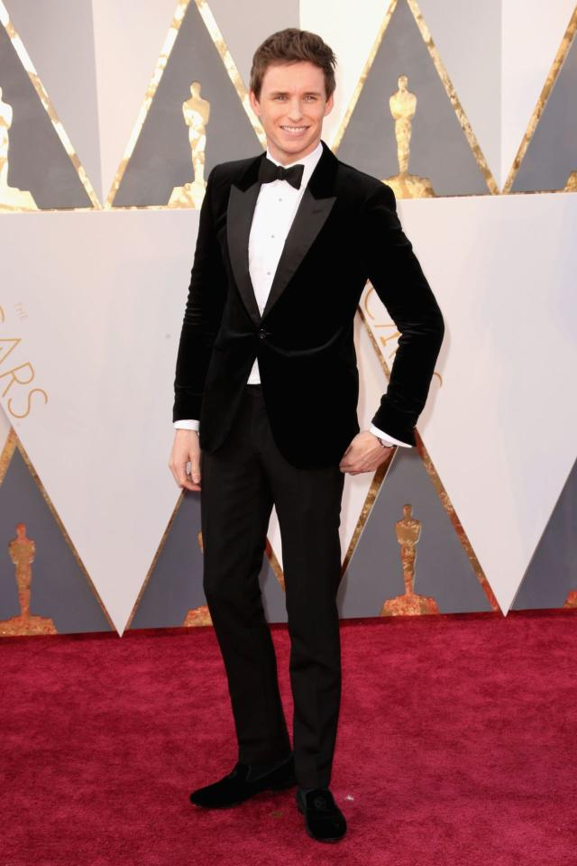 <p>The actor, nominated for best actor in a leading role in <i>The Danish Girl, </i>admitted to his usual fashion-before-comfort approach this season, in a velour tuxedo. Steamy.</p>