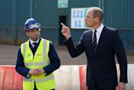 <p>Prince William enjoys a chat with construction workers on HMS Glasgow.</p>