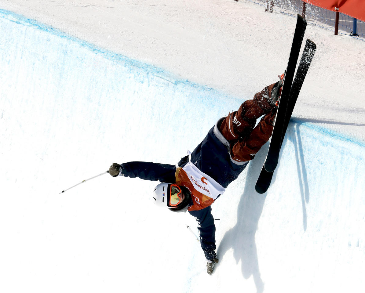 <p>Aaron Blunck, of the United States, crashes during the Men's Halfpipe Final at the 2018 Winter Olympics in PyeongChang, South Korea, Feb. 22, 2018.<br /> (AP Photo/Lee Jin-man) </p>