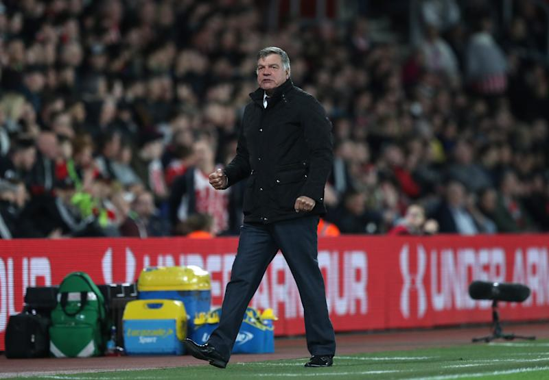 Sam Allardyce defends Arsene Wenger's right to keep Arsenal fans guessing