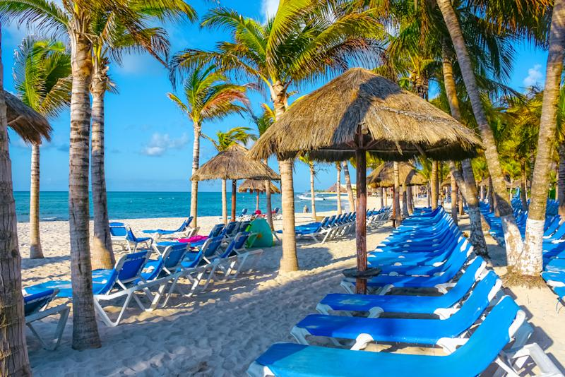 10,000 Gallons of Tainted Alcohol Were Seized From Mexican Resorts