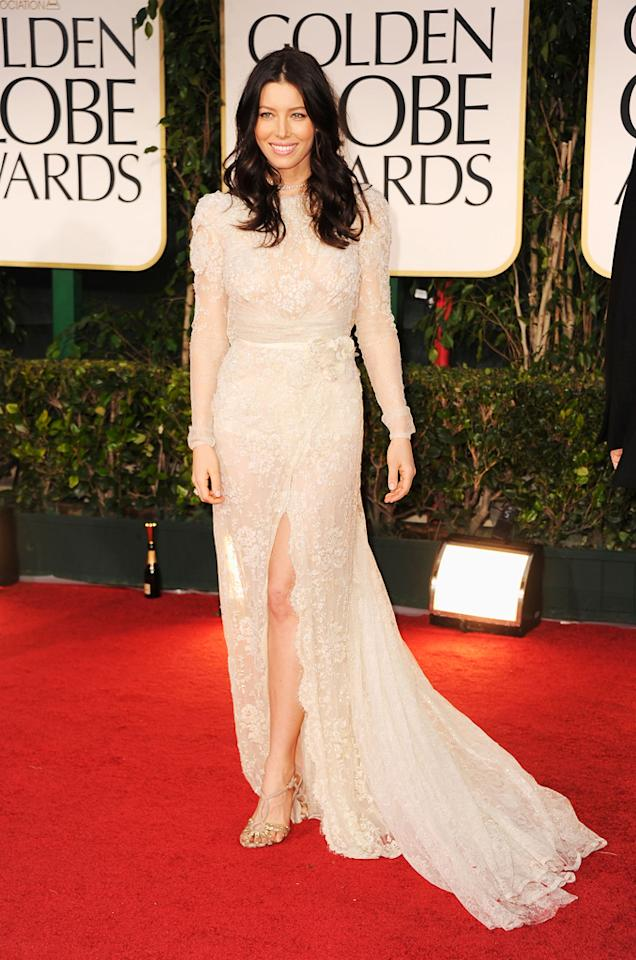"""<strong>Bride Wars</strong><br><br>""""Some celebs appeared as if they were going to walk down the aisle"""" at the Golden Globes, according to the <a target=""""_blank"""" href=""""http://www.miamiherald.com/2012/01/16/2592258/fashions-wow-on-the-golden-globes.html"""">Miami Herald</a>. While cream has been a popular choice for a red-carpet gowns this year (<a target=""""_blank"""" href=""""http://www.washingtonpost.com/blogs/celebritology/post/golden-globes-red-carpet-10-best-and-worst-dressed/2012/01/15/gIQA1TxR2P_blog.html"""">just ask</a> Kate Beckinsale), stylists advise stars to watch out for gowns with """"here comes the bride"""" overtones."""