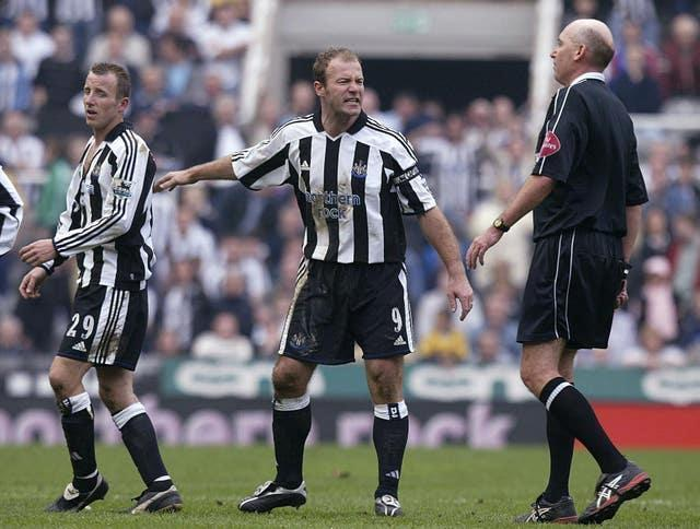 Bowyer (left) departed the field with a ripped shirt after the confrontation with Kieron Dyer (Owen Humphreys/PA).