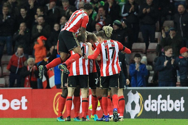 (Football) Sunderland off the bottom as Leicester crash again