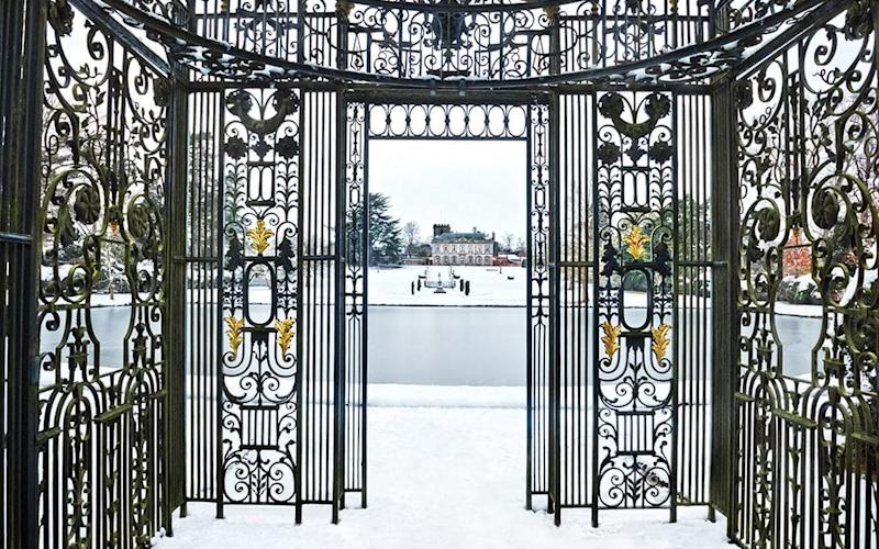 The Birdcage, Basin and view to Melbourne Hall in winter - © Andrea Jones
