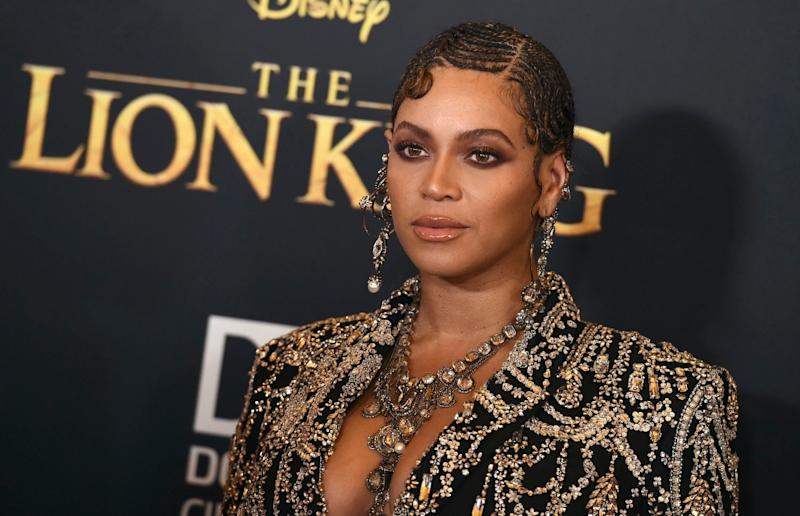 Beyoncé looks Ethereal in Gold for Shawn Carters Foundation Gala