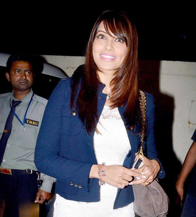 Bipasha arrives for the show