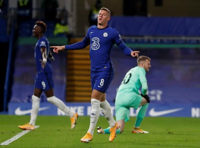 Barkley loaned to Villa as Chelsea starts trimming squad