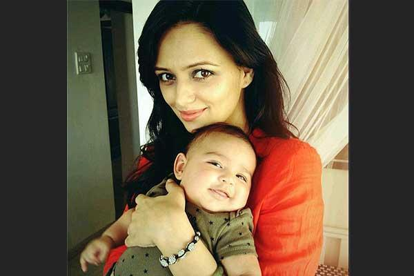 <p>The 35 year old actress is mother to two lovely sons. Elder son was born in 2012 and she welcomed her younger one in 2016. If you are not seeing the actress on your television screens as much as you would expect to, you know her hands are full. </p>