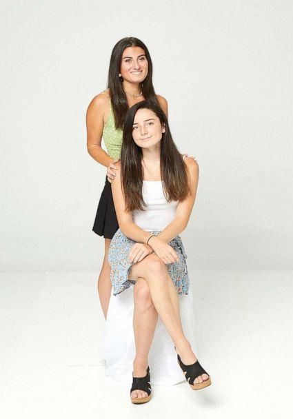 PHOTO: Sisters Caitlyn Lyons (standing) and Mary Lyons pictured in 2021. (ABC)