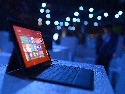 """The new Microsoft Surface tablet. Surface, which seeks to challenge Apple's market-ruling iPads and rivals built on Google's Android software, will be among Windows-powered devices sold at Microsoft """"pop up"""" stores to open Friday in the United States and Canada"""
