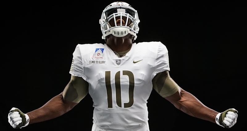 Army unveils spectacular uniforms for Army-Navy game