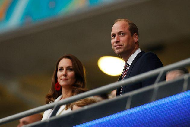 Prince William (R), Duke of Cambridge, and Catherine, Duchess of Cambridge, take their seats ahead of the UEFA EURO 2020 final football match between Italy and England at the Wembley Stadium in London on July 11, 2021. (Photo by JOHN SIBLEY / POOL / AFP) (Photo by JOHN SIBLEY/POOL/AFP via Getty Images) (Photo: JOHN SIBLEY via Getty Images)