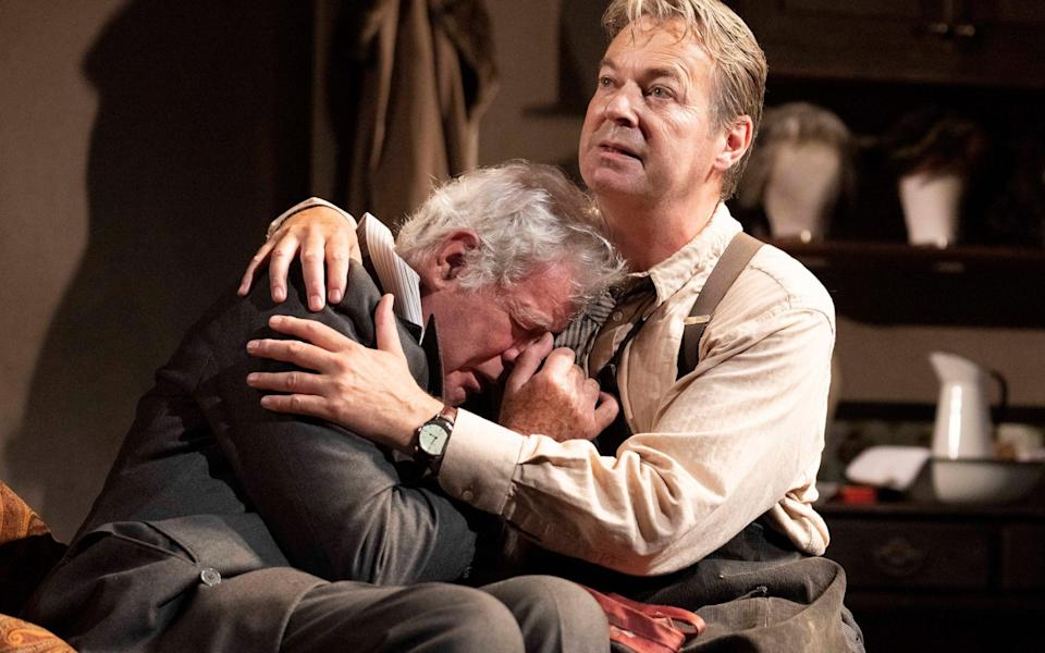 Matthew Kelly doesn't quite pull off Sir's curtain call