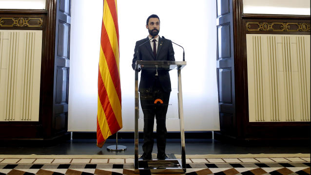 Roger Torrent, speaker of Catalan Parliament attends a press conference at the Catalonia Parliament in Barcelona, Spain, Wednesday, March. 21, 2018. Separatist parties had turned to Sanchez after dropping their bid to re-elect fugitive Catalan ex-president Carles Puigdemont, who fled to Belgium in October. (AP Photo/Manu Fernandez)
