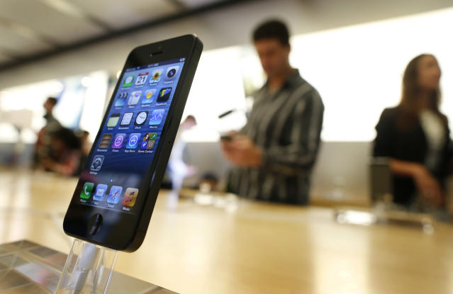 After years of rumors, Apple finally launched its iPhone 5. Mobile searchers naturally continued their heavy iPhone loyalty, searching for it and other Apple topics 25 times as much as the nearest competitor, Android.